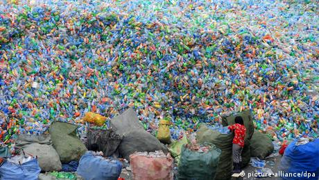 Image result for यहां लोगों ने पानी की बोतलों के लगा दिया अंबार