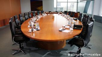 За этим столом заседает правительство Германии