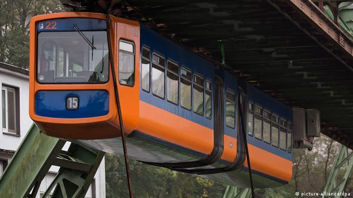 ۲۸ دستگاه از واگنهای مدل GTW 72 از سال ۱۹۷۲ تا سال ۲۰۱۸ در رفت و آمد بودند.