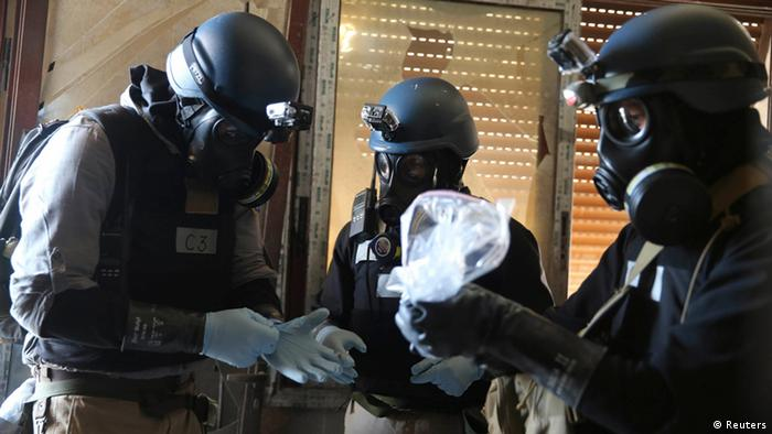 UN inspectors and chemical weapons (photo: Reuters)