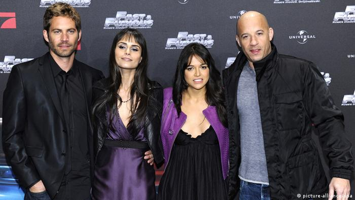 Das Team von The Fast and The Furious: Paul Walker, Jordan Brewster, Michelle Rodriguez und Vin Diesel (Foto: picture-alliance/dpa)