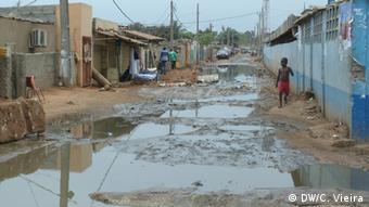Bildergalerie Wasser in Angola (DW/C. Vieira)