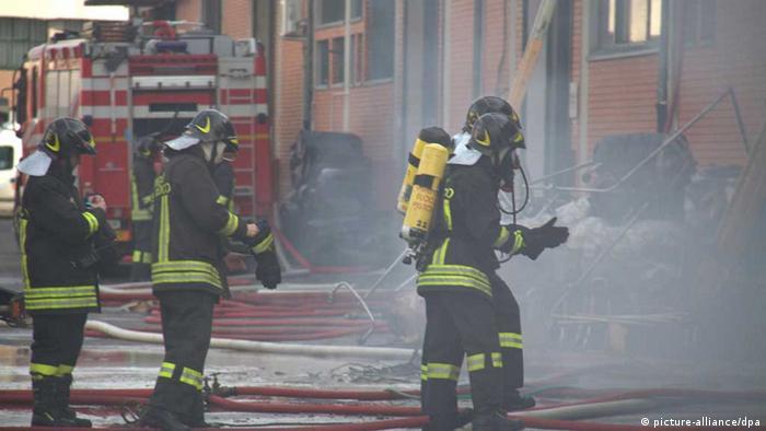 Italien - Textilfabrik Prato, Feuer (Foto: EPA/CLAUDIO GIOVANNINI)