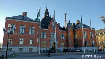 Das Rathausgebäude in rotem Backstein (Foto: Ralf Bosen/DW)