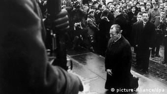 Kniefall von Warschau 1970 Willy Brandt (picture-alliance/dpa)