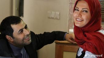 سینمای ایران سکسی ناقص، معیوب و بیمزده را به نمایش میگذارد. لعیا زنگنه و فرهاد اصلانی در نمایی از فیلم زندگی خصوصی به کارگردانی حسین فرحبخش