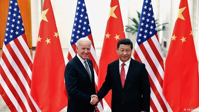 Foto de Joe Biden y Xi Jinping