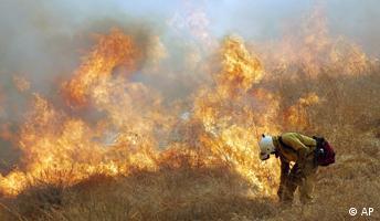 Wenn Feuerwehrmänner Feuer legen
