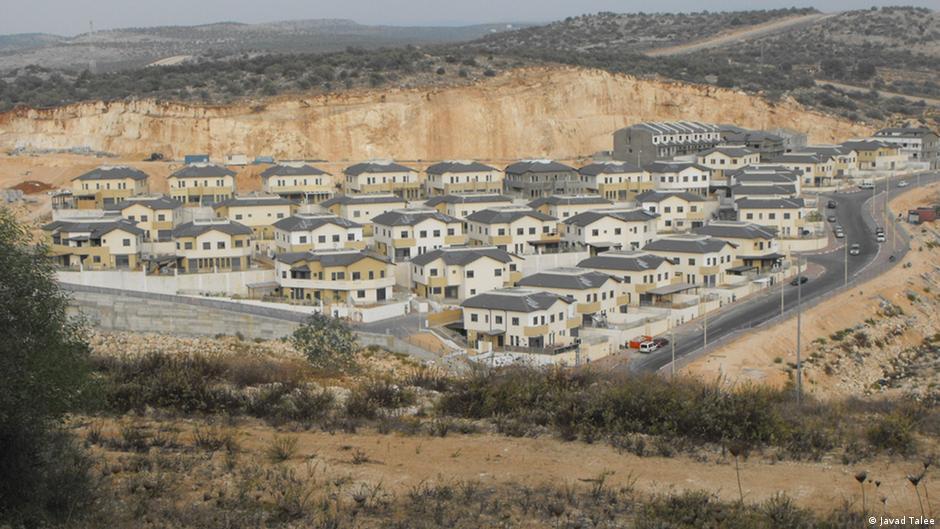 مصنع بمستوطنة إسرائيلية يثير الجدل 0,,17273133_403,00.j