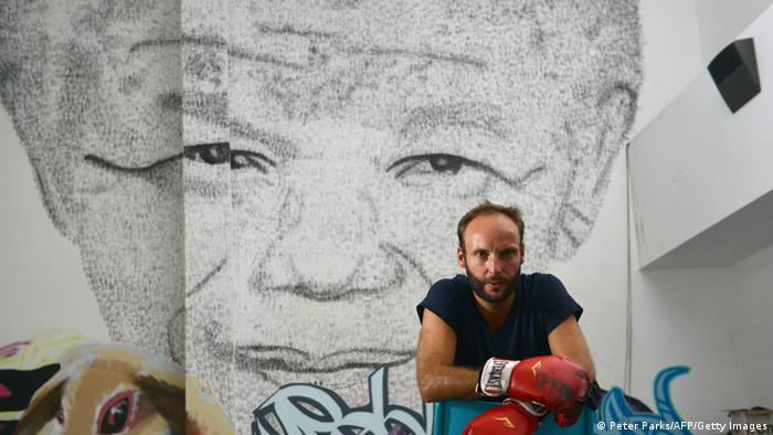 Mandela Skulptur Phil Akashi