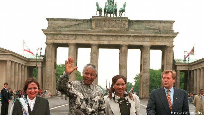 Nelson Mandela in Berlin in 1996