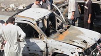 Irak Selbstmordattentäter zünden Autobombe auf einem Markt in Balad Terror