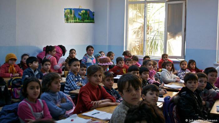 AB Türkiye'deki mültecilere yardımı sürdürüyor