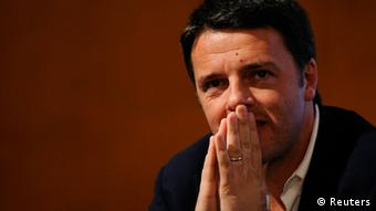 Matteo Renzi, an Italian politician, clasps his hands together in thought. (Photo: Giorgio Perottino / Reuters)