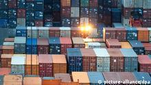Deutschland Containerverladung Hamburg