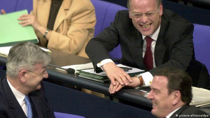 Abstimmung im Bundestag über Afghanistan-Einsatz der Bundeswehr am 22.12.2001