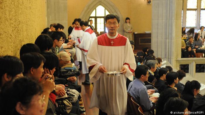 """中国基督徒信仰自由:""""变大的笼子"""""""