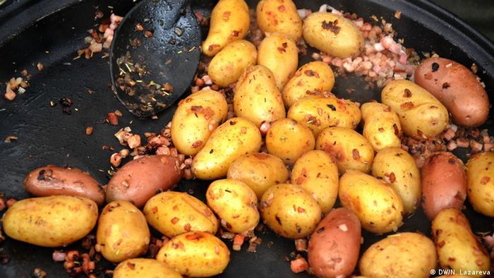 Картофель на рождественском рынке в Крефельде