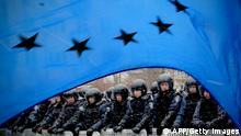 Bildergalerie EU Top Themen 2014 Europa Flagge EU Gegner Symbolbild