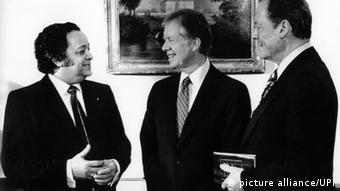 Sir Shridath Ramphal, Jimmy Carter dhe Willy Brandt