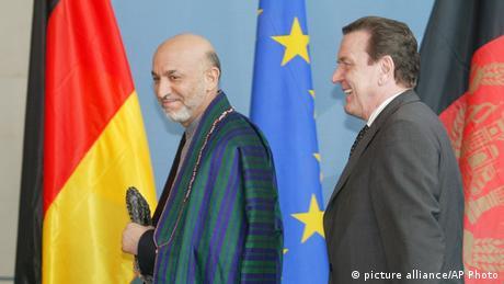 Bundeskanzler Gerhard Schröder und Hamid Karsai