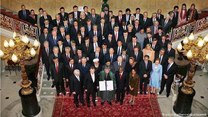 Afghanistan Konferenz London Gruppenbild Hamid Karsai