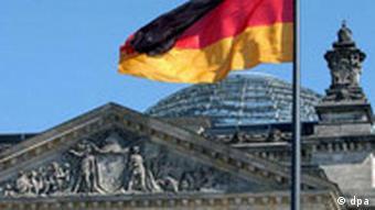 Bundestag Reichstag mit Flagge p178