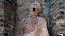 Der steinerne Mann Steinskulptur in Augsburg