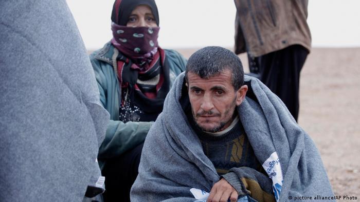 UN urges Jordan to let in 12,000 stranded Syrian refugees