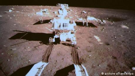 China's Jade Rabbit rolls onto Moon's surface