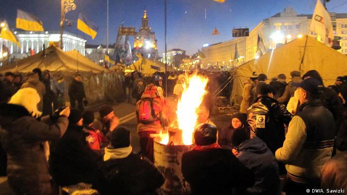 Письменники на барикадах Євромайдану