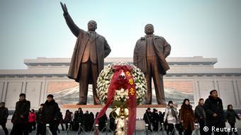 Statuen von Kim Il Sung und Kim Jong Il (Foto: Reuters)