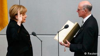 Η ορκωμοσία της καγκελαρίου ενώπιον του προέδρου της Γερμανικής Βουλής