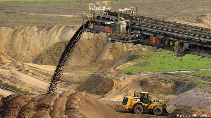 Machines operating at the Garzweiler open-pit lignite mine in North Rhein-Westfalia (Photo via dpa)