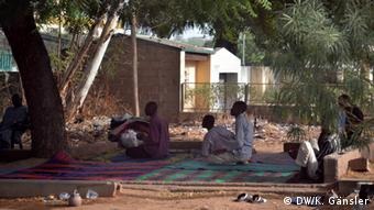 Nigerijski muslimani u molitvi