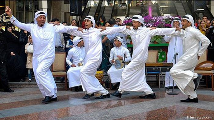 یَزله یا هوسه یکی از گونههای رایج موسیقی محلی جنوب ایران است. یزله به وسیله گروهی از خوانندگان غیرحرفهای اجرا میشود و با دست زدن و پا کوبیدن همراه است. یزله به جز در خوزستان در استانهای جنوب ایران نیز رواج دارد گرچه شکل اجرای آنها اندکی متفاوت است. یزله در اعیاد و مراسمهای اجتماعی اجرا میشود. گاهی نیز شکل اعتراضی به خود میگیرد.