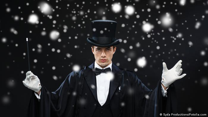 Magician in top hat (Syda Productions/Fotolia)