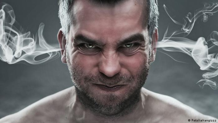 Man looking angry with steam coming out of his ears (Fotolia/rangizzz)