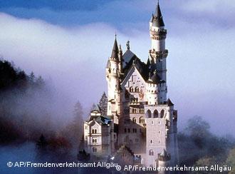 Замокот Нојшванштајн