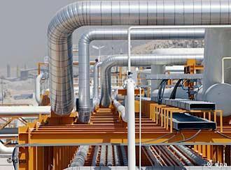 """برخی کارشناسان امور گاز بر این باورند که طرح تاپی جایگزین خط لوله ایرانی """"صلح"""" شد."""