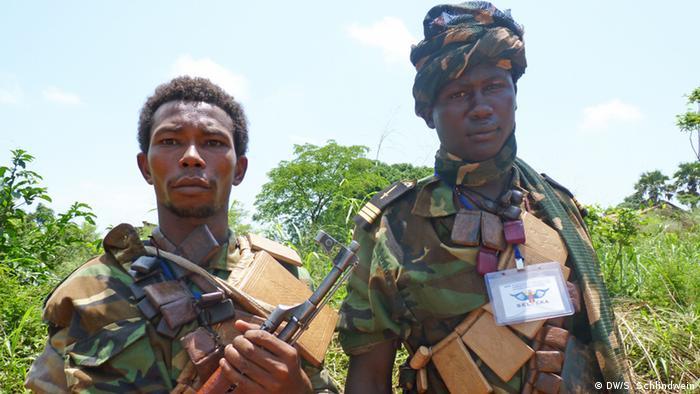 Two Seleka fighters (Photo: Simone Schlindwein)