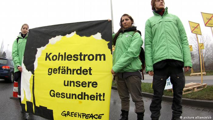 Demonstration Kohlestrom Braunkohle (picture alliance/zb)