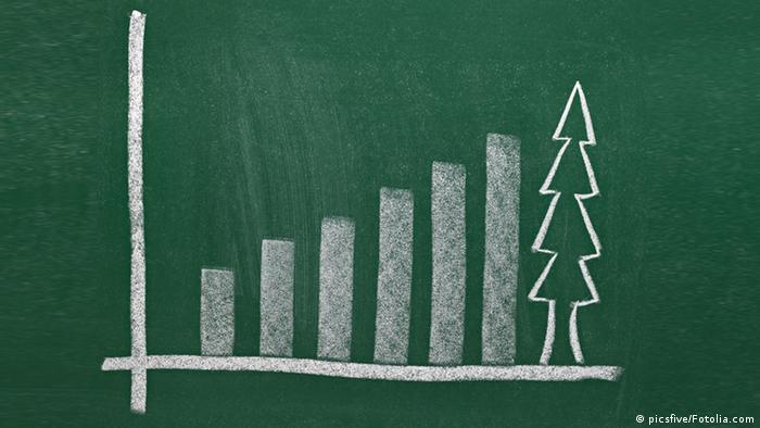 Symbolbild Geschäft und Weihnachtsbaum (picsfive/Fotolia.com)