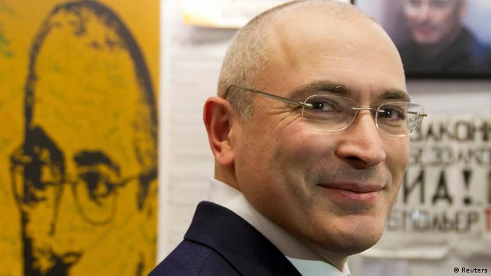 Chodorkowski bei einer Pressekonferenz im Berliner Mauermuseum (Foto: REUTERS/Steffi Loos)