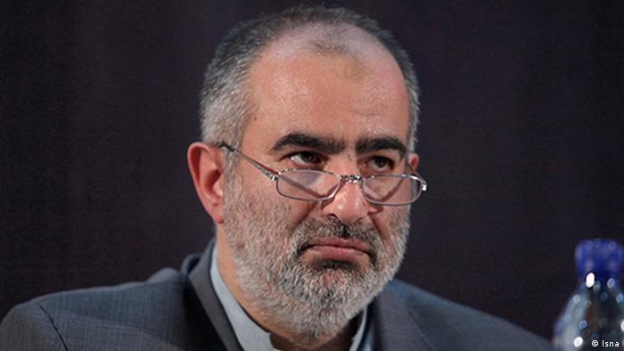 حسامالدین آشنا در واکنش به گزارش فارس مبنی بر بازداشت و احضار نفوذیها درحوزه کنترل جمعیت، به خبرگزاری منتسب به سپاه حمله کرد