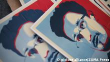 Edward Snowden artifiziertes Porträt Poster (picture alliance/ZUMA Press)
