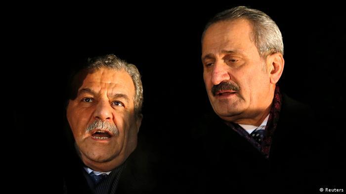 ظفر چاغلایان، وزیر اقتصاد (راست) و معمر گولر وزیر کشور ترکیه