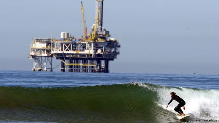 Нефтяная платформа в Калифорнии, США