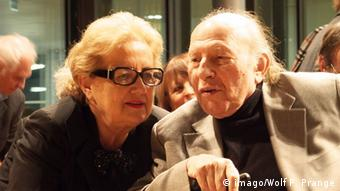 Imre Kertész is pictured with his wife, Magda, in 2012, Copyright: imago/Wolf P. Prange