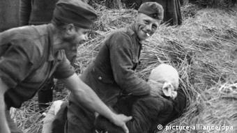 Задокументоване насильство солдатів вермахту